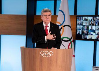 Sem rivais, presidente do COI conquista segundo mandato até 2025