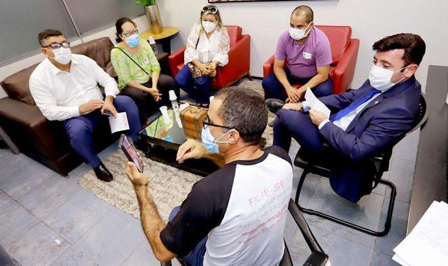 Servidores da saúde pedem apoio da Aleam na busca de reposição salarial