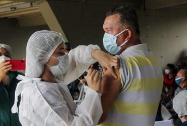 Prefeitura de Manaus faz repescagem para vacinação de pessoas com comorbidadesde 55 a 59 anos