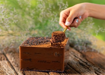 Chef Lucas Pyetro lança linha de chocolates exclusivos para o Dia das Mães