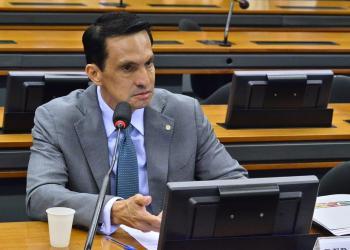 Sidney Leite apresenta emenda para ampliar novo Auxílio Emergencial e pede urgência para votação