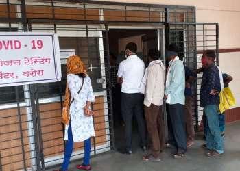 Índia tem novo recorde de casos de covid e vê pandemia sair do controle