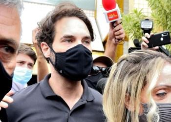 Vereador Dr. Jairinho e a mãe de Henry passam a primeira noite presos