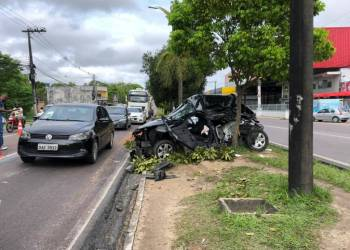 Acidente de trânsito deixa um ferido na avenida Max Teixeira em Manaus