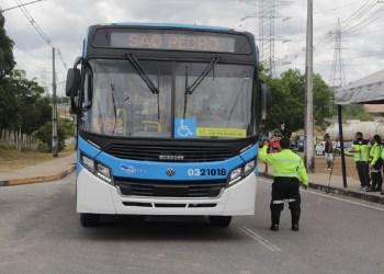 Manaus ganha 42 ônibus novos para frota do transporte público