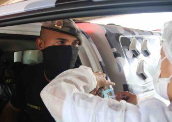 Mais 359 profissionais da segurança pública são imunizados contra a Covid-19 nesta quarta-feira