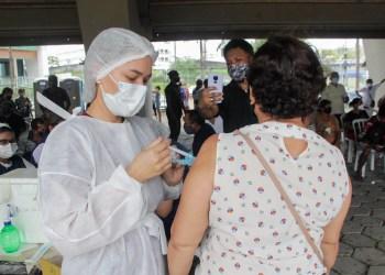 Sobras de vacina são aplicadas em pessoas cadastradas no Imuniza Manaus, obedecendo prioridades