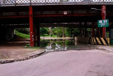 Prefeitura de Manaus interdita alça inferior da Ponte dos Bilhares