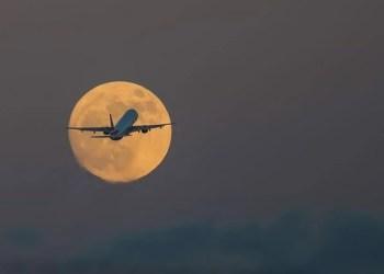 Passagens de voo para ver a SuperLua se esgotam em 2,5 min