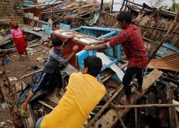 Ciclone já causou duas mortes e danos em cerca de 20 mil casas na Índia