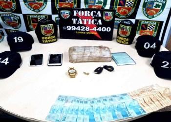 Força Tática detém dois e apreende cerca de 2 quilos de drogas na zona leste