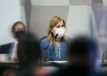 Secretária contradiz Pazuello sobre crise do oxigênio em Manaus