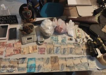 Em Benjamin Constant, PM detém mãe e filho envolvidos com tráfico de drogas