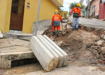 Prefeitura de Manaus recupera redes dedrenagemna zona Sul