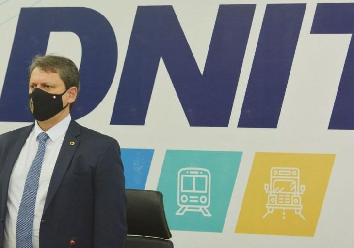 País passa por transformação da infraestrutura nacional, diz ministro