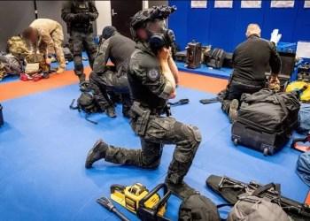 Operação do FBI contra o crime organizado prende 800 pessoas