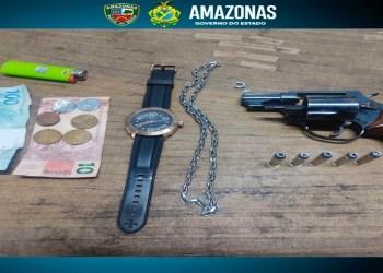 Polícia Militar detém homem portando arma de fogo de uso restrito no bairro São Geraldo