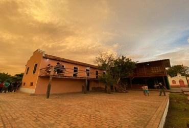 Jovens ribeirinhos idealizam plano de negócios para empreendimento em casarão histórico na Amazônia