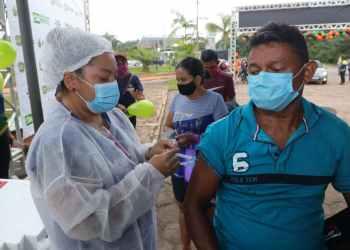 Primeiros vacinados em Rio Preto da Eva sentem alívio e realização ao receberem primeira dose contra Covid-19