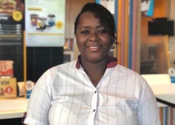 Mulheres negras representam 25% das pessoas promovidas para cargos de liderança no McDonald's no Brasil