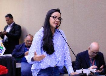 Deputada Mayara Pinheiro emprega nove funcionários fantasmas