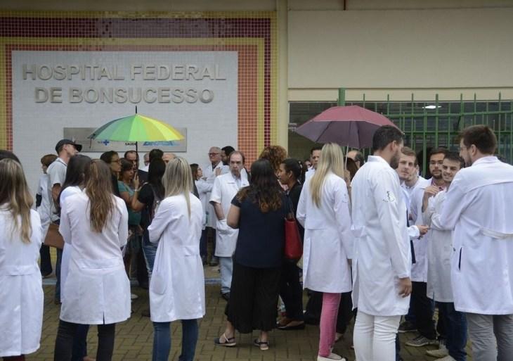 Alunos de medicina beneficiários do Fies, reclamam de aumento abusivo nas mensalidades