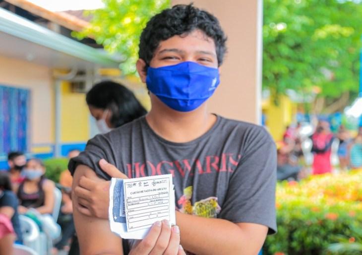 Em Parintins, jovens de 18 e 19 lotam postos de vacinação contra Covid-19 nesta segunda