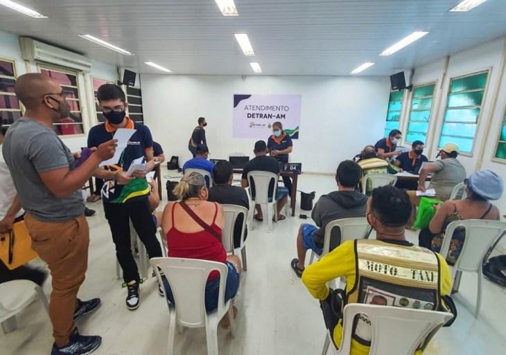Detran-AM atende mais de 200 pessoas no primeiro dia de mutirão em Parintins