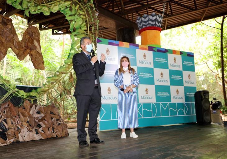 Vereador Peixoto prestigia com prefeito David Almeida evento ambiental 'Arborizando Manaus'