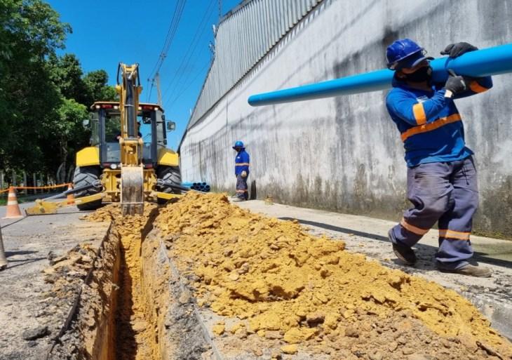 Obra vai garantir água tratada para mais de 18 mil moradores das Comunidades Coliseu I, II e III, na zona Leste