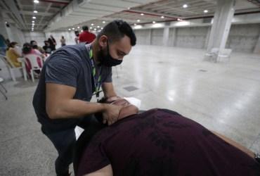 Policlínica Codajás realiza segunda ação voluntária de fisioterapia para servidores do Vacina Amazonas