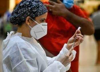 FVS-RCP informa a aplicação de 3.166.282 doses de vacina contra Covid-19 no Amazonas, até sábado (28)