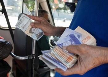 Venezuela vai cortar 6 zeros da moeda para conter hiperinflação