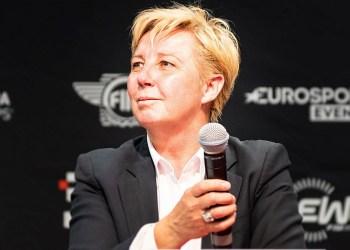 CEO da Fórmula 1 é morta em casa pelo marido após traição