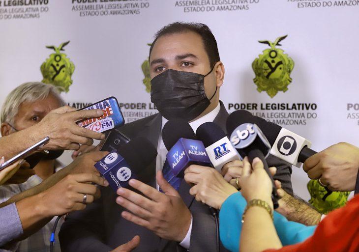 Roberto Cidade oficializa instalação da CPI da Amazonas Energia