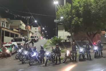 """Polícia Militar intercepta """"rolezinho"""" irregular de motocicletas na capital"""