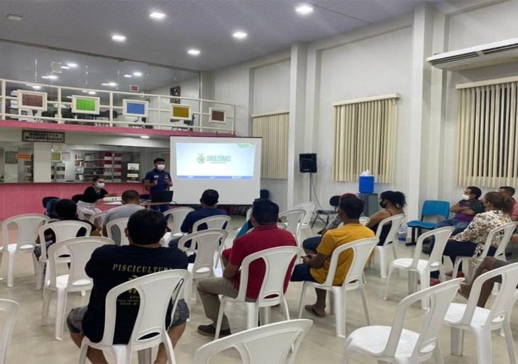 Adaf promove palestra sobre legislações aquícolas para pescadores do município