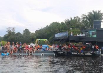 Justiça manda retirar mais de 70 flutuantes sem licenciamento em Manaus