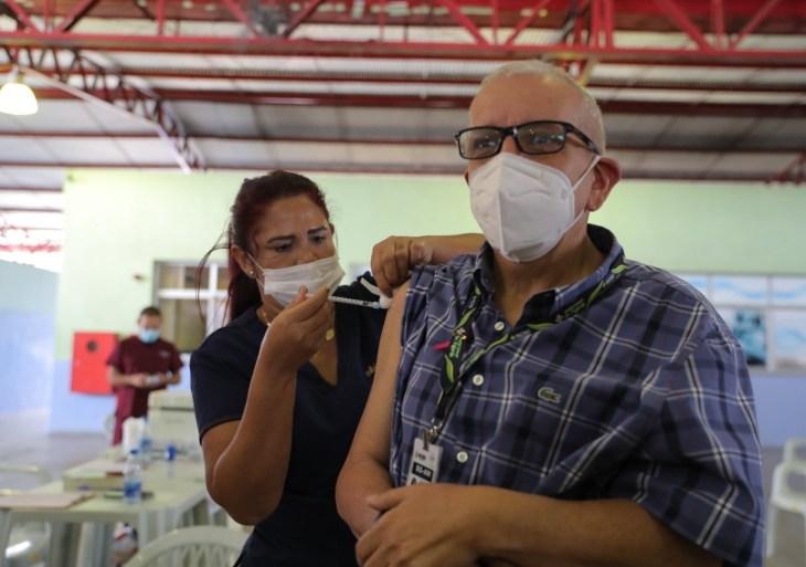 21ª edição do mutirão aplica 30 mil doses em dois dias