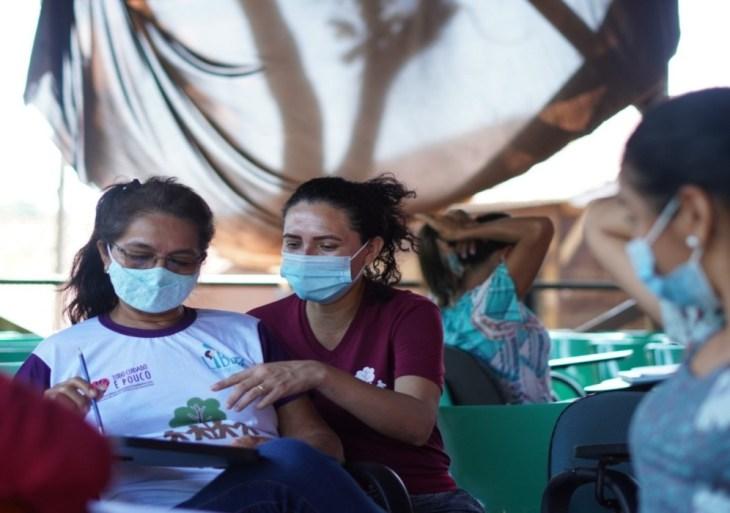 FAS e Americanas lançam publicações com temática regional para apoiar a alfabetização em comunidades ribeirinhas da Amazônia
