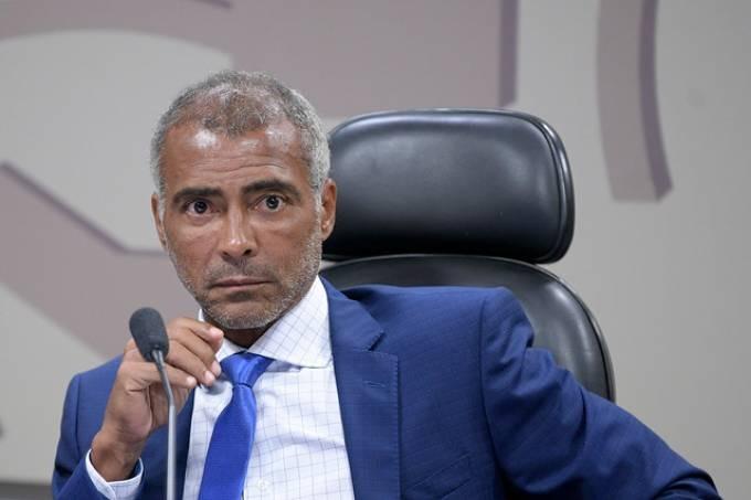 """Romário: """"Antes do Bolsonaro nosso país tava uma m****"""""""