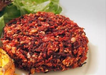 Hambúrguer Vegano de Quinoa e Beterraba