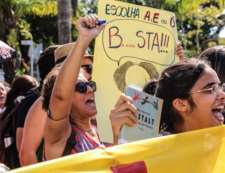Estudantes e professores avisam que não se mexe com a Educação
