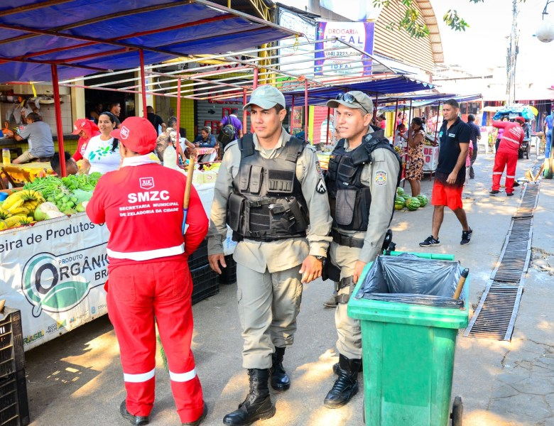 Operação Centro Seguro é realizada na região do Calçadão pela prefeitura