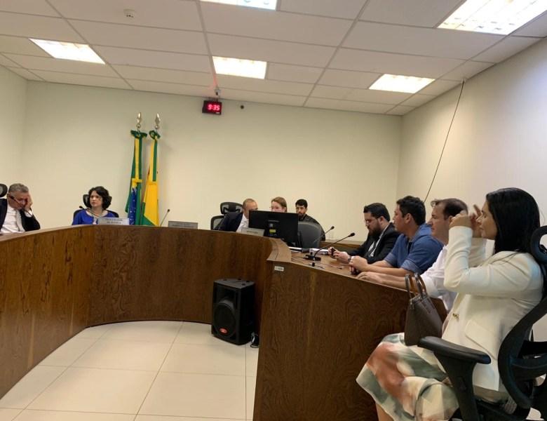 Terminou sem acordo audiência para debater legalidade da LDO