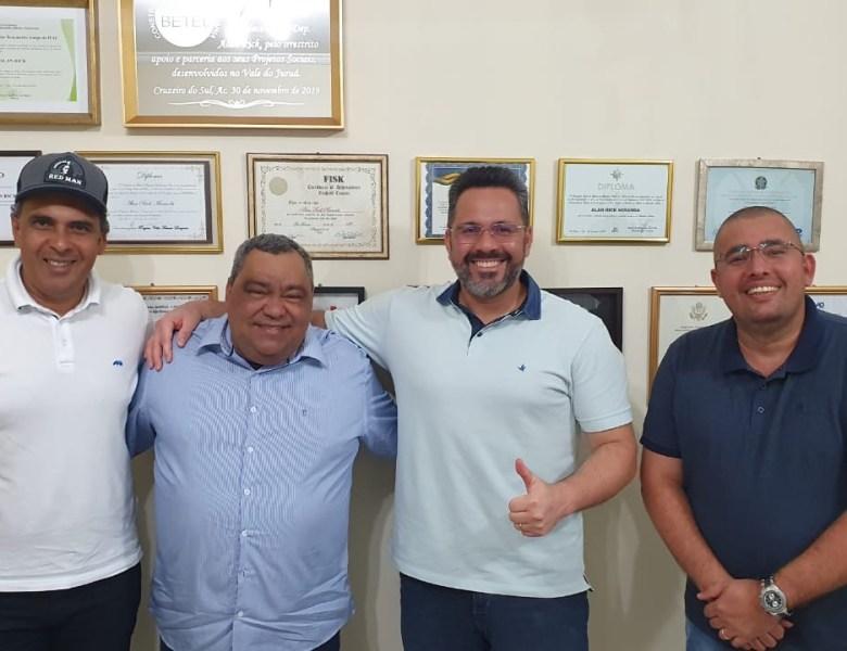 DEM, de Alan Rick, firma aliança com Mazinho Serafim, em Sena Madureira, para as eleições deste ano