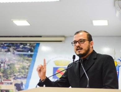 """""""O político que nega o seu passado é um desonesto"""", diz Rodrigo Forneck sobre postura de Minoru"""
