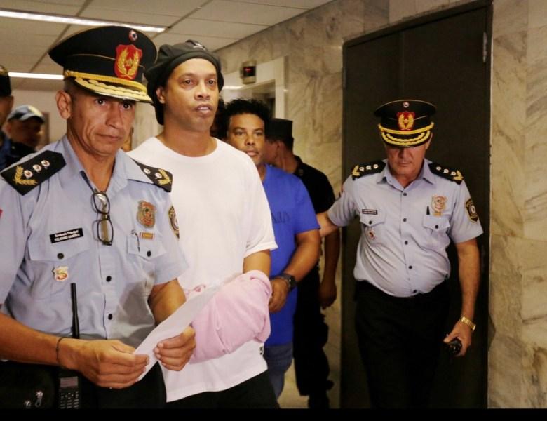 Promotor diz que há suspeitas de que Ronaldinho Gaúcho e Assis cometeram outros crimes