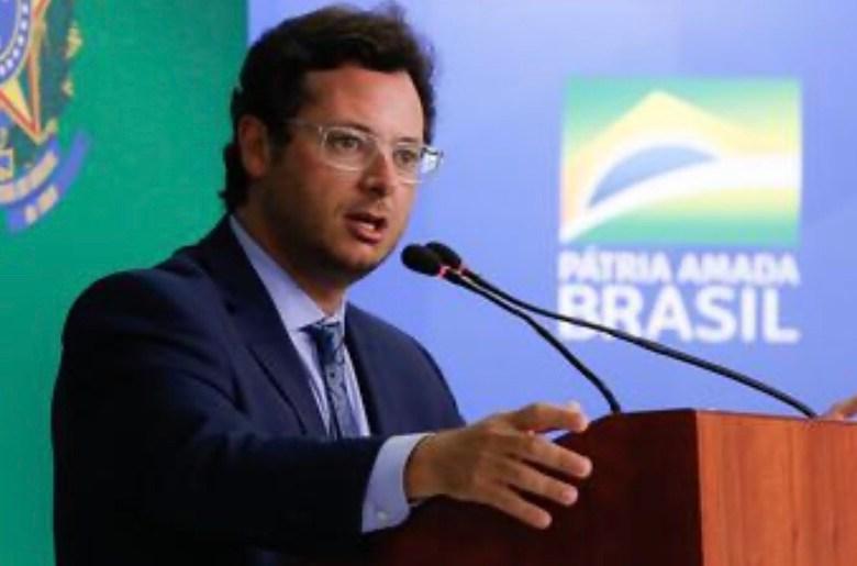 Wajngarten volta de viagem aos EUA com Bolsonaro e testa positivo para coronavírus
