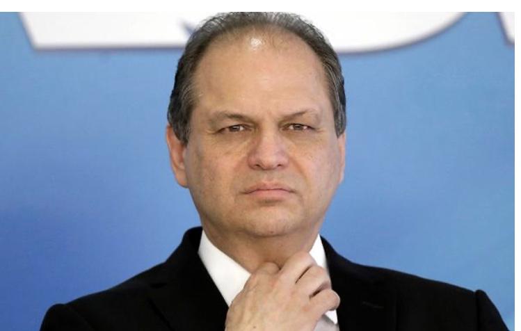 Líder do governo diz que Lava Jato foi parcial e prendeu Lula para tirá-lo da eleição